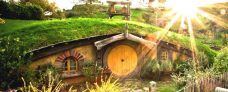 The Hobbiton & Waitomo Glow Worm Caves