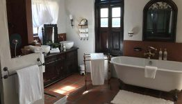 south-africa-dio-dell-amore-bathroom